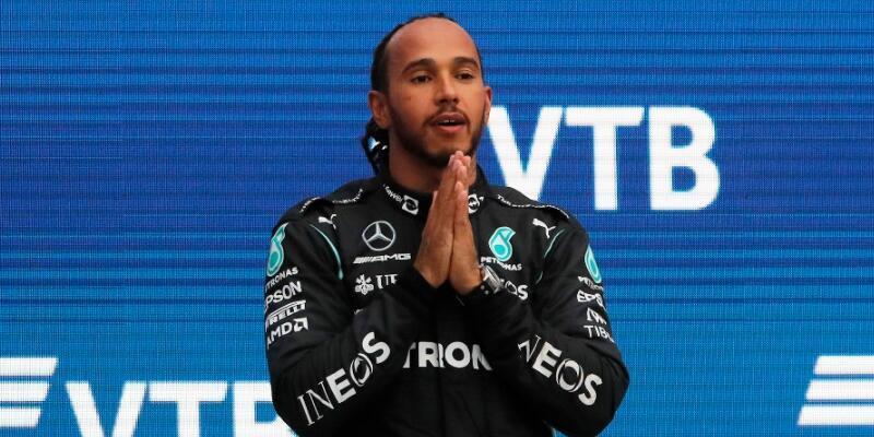 Lewis Hamilton 100. galibiyetini aldı