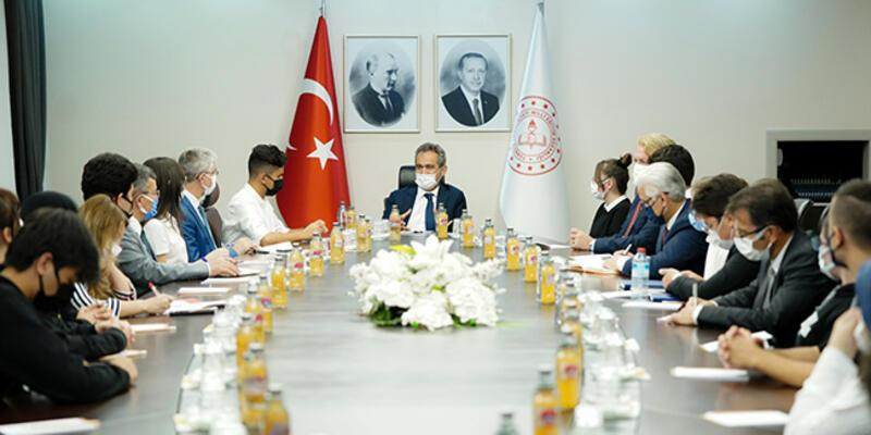 Milli Eğitim Bakanı Özer, okula devam oranını açıkladı