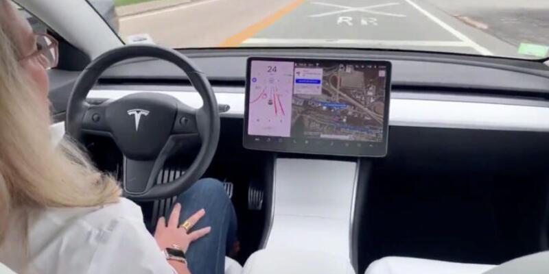 Tesla güvenlik puanı sistemi için kolları sıvadı