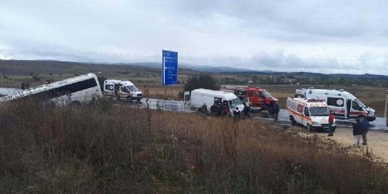 Kastamonu'da yolcu otobüsü ve minibüs çarpıştı: 8 yaralı