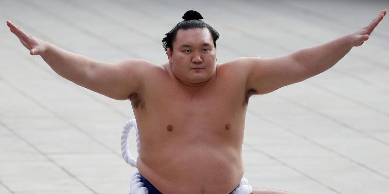 Japonya'da Büyük Sumo Şampiyonu Hakuho sumoyu bıraktı