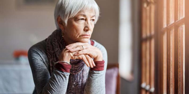 Kovid-19 salgını yaşlılarda depresyon sıklığını üç kat artırdı