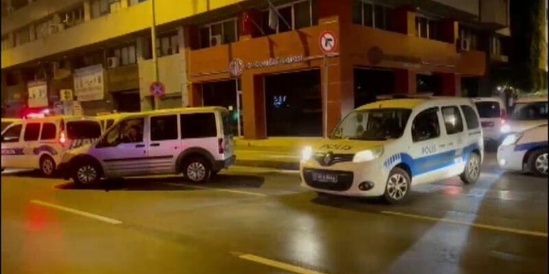 İzmir'de FETÖ operasyonu; 22 gözaltı
