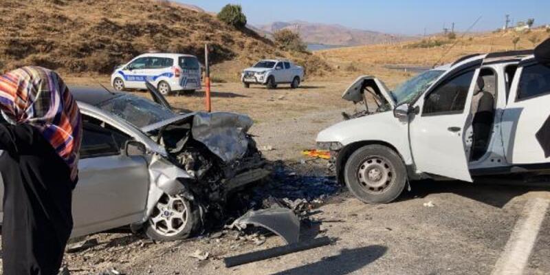 Kaçak göçmenlerin taşındığı otomobil kaza yaptı: 1 ölü, 13 yaralı