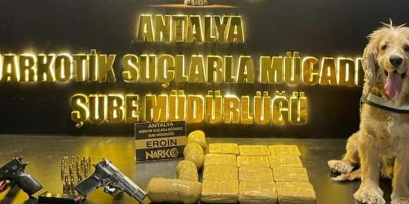 Antalya'da 8 kilo 800 gram eroin ele geçirildi