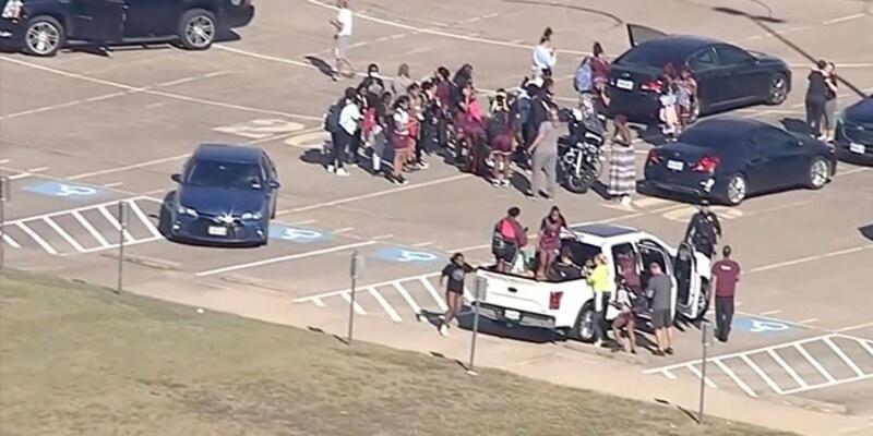 Teksas'ta bir lisede silahlar çekildi: 4 yaralı
