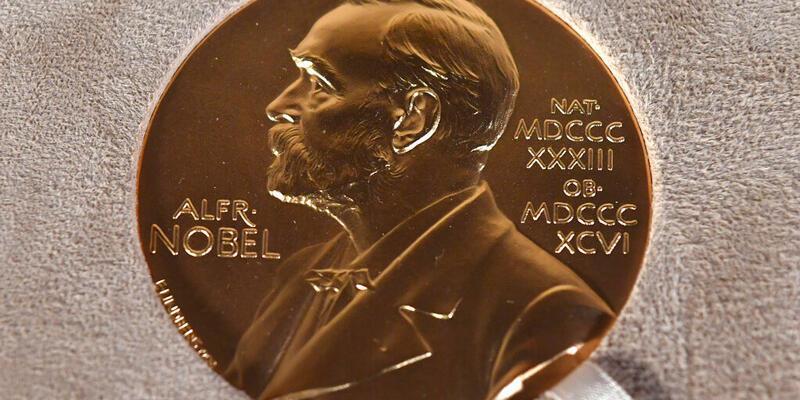 2 isim öne çıkıyor: Nobel Edebiyat Ödülü'nü kim alır?