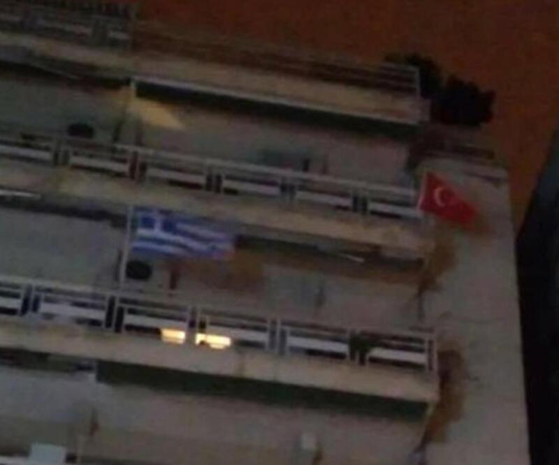 Selanik'te Türk bayrağı krizi