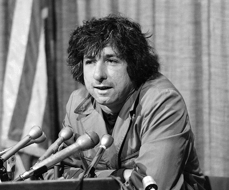Chicago Sekizlisi'nden ABD'li ünlü aktivist Tom Hayden öldü