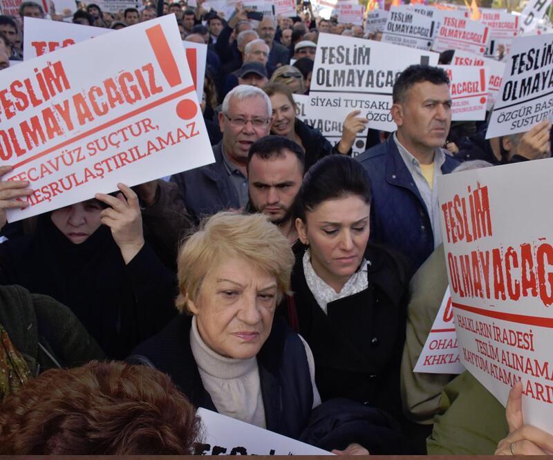 Kartal'da Ankara ve Suruç saldırılarında hayatını kaybedenler anıldı