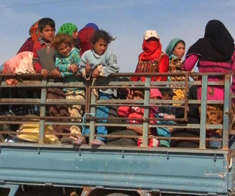 Yaklaşık 10 bin sivil Rakka'dan kaçtı