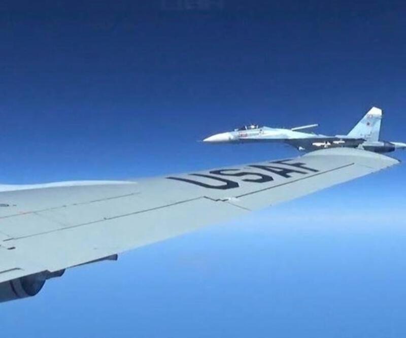 Rus jeti ABD savaş uçağının 1,5 metre uzağında