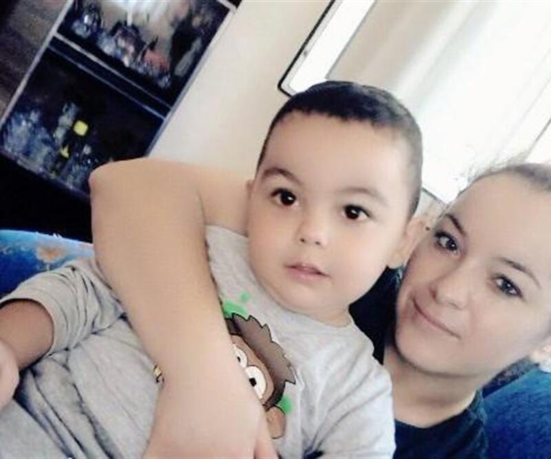 Cinnet getiren annesinin boğduğu 3 yaşındaki Emir Can toprağa verildi