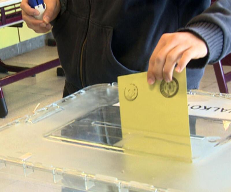 AK Parti'li seçmenin yüzde 50'si güvenmiyor