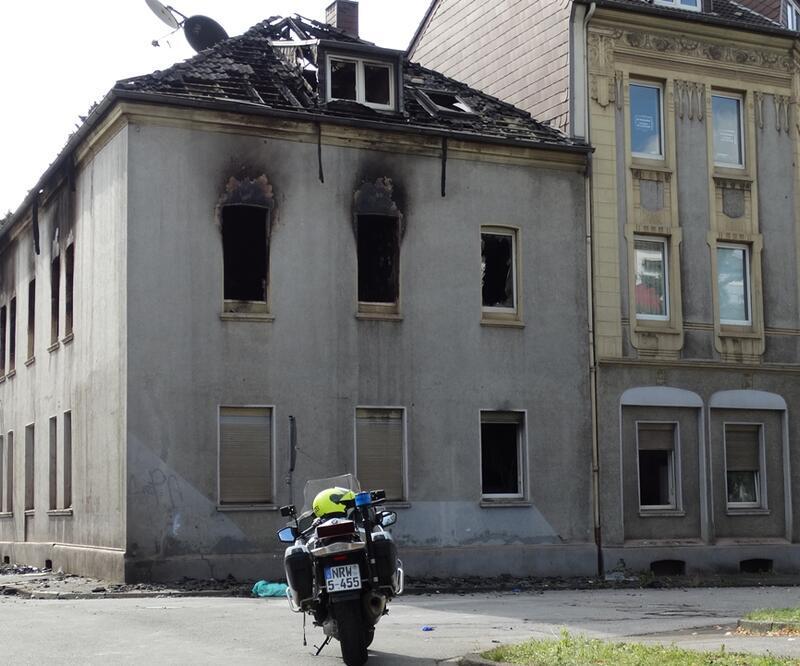 Almanya'da yangın: Ölü ve yaralılar var