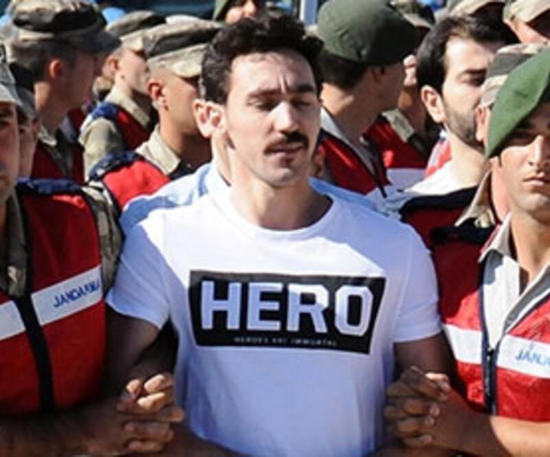 'Hero' tişörtü giyen Gökhan Güçlü ve ablasının 5 yıl hapsi istendi
