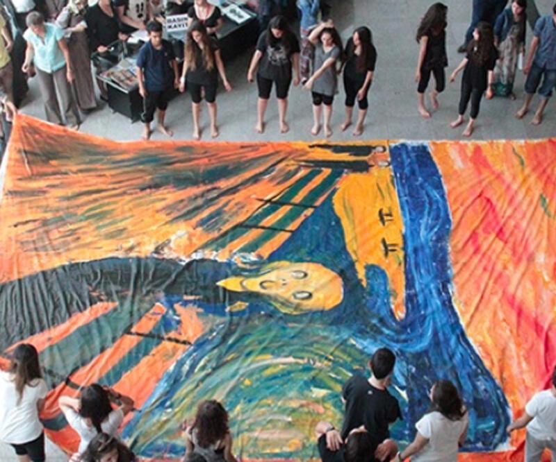 Küçük sanatçıların büyük sergisi!