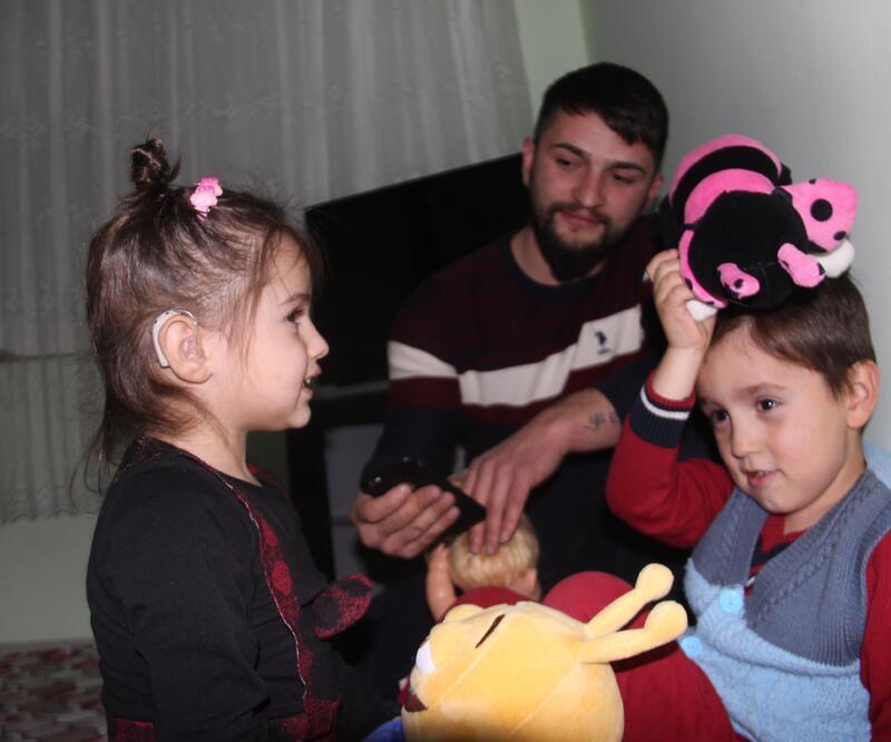 Minik Zeynep, 'biyonik kulak' bekliyor