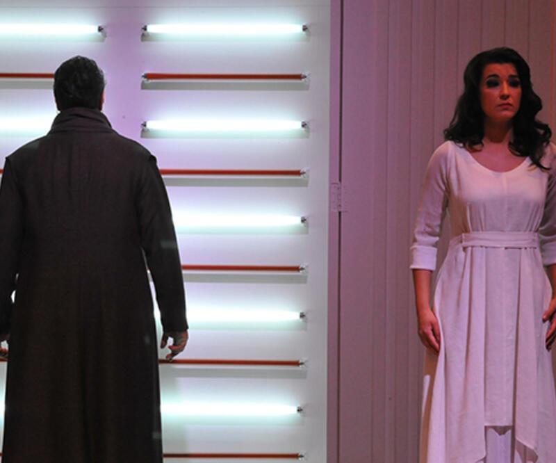 Ahmet Ümit'in Ninatta'nın Bileziği opera sahnesinde