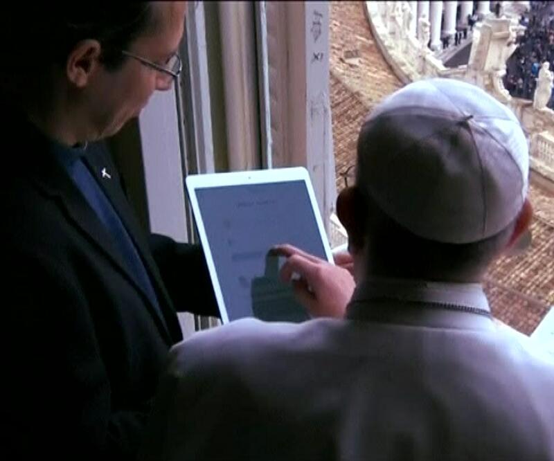 Papa sanal dua uygulamasını tanıttı: Tıkla ve dua et