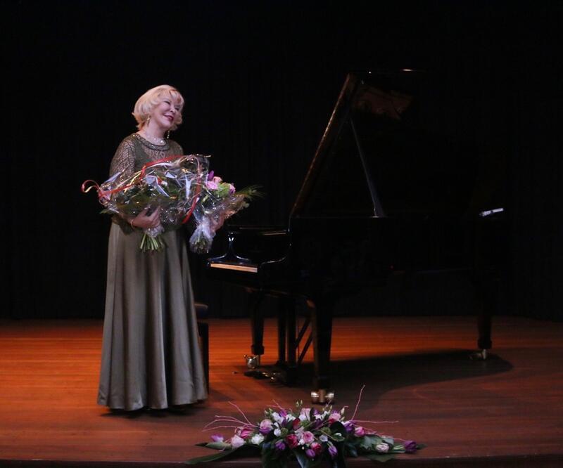 Gülsin Onay'dan Almanya'da konser