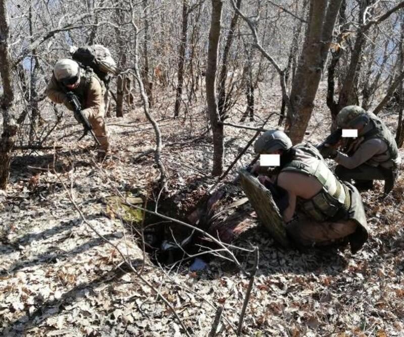 Bitlis'te PKK'ya ait 3 sığınak tespit edildi