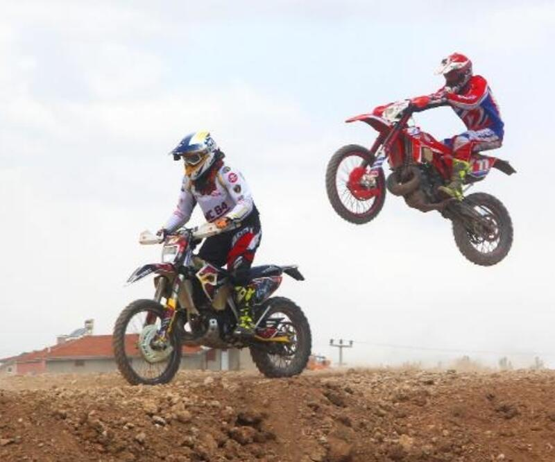 Kanyon Ekstrem Festivali motokros gösterileriyle başladı