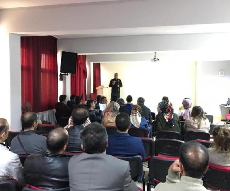 Bingöl'de öğretmenlere uyuşturucuyla mücadele semineri