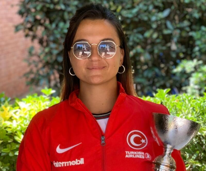 Büşra Ün İtalya'da şampiyon oldu