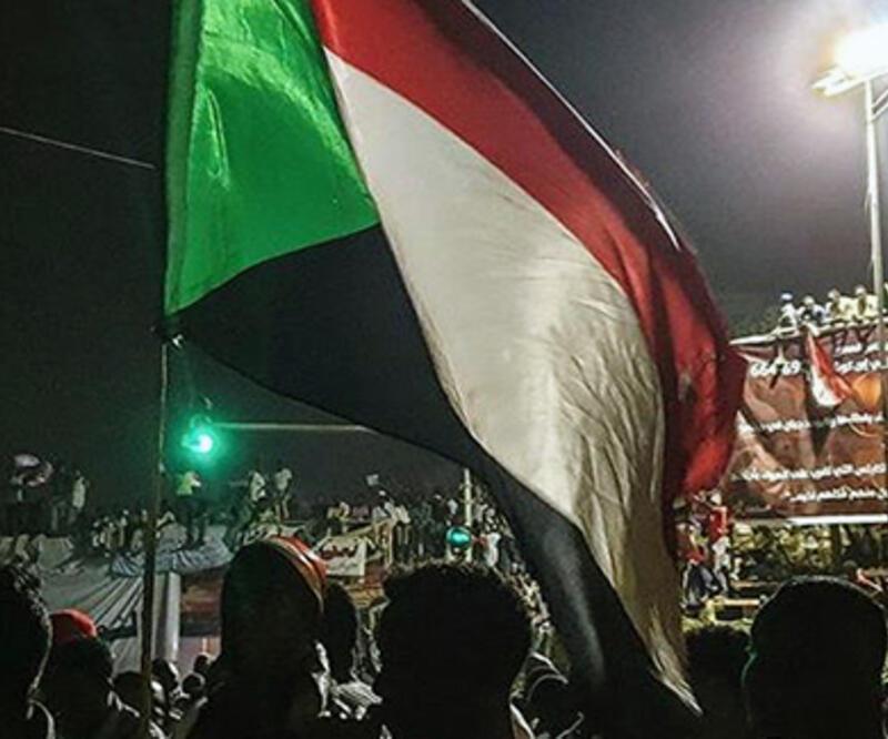 Sudan'da genelkurmay başkanı öncülüğündeki darbe girişimi engellendi