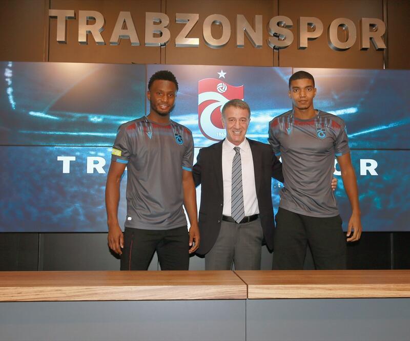 Trabzonspor'da iki futbolcu sözleşme imzaladı