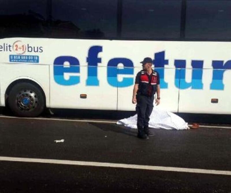 Zonguldak'ta yolcu otobüsünün çarptığı yaya öldü