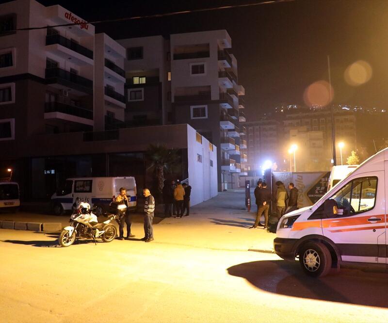 Polis memuru erkek arkadaşını öldürüp intihar etti