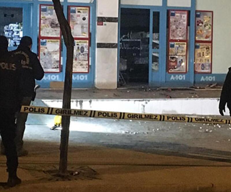 Arnavutköy'de markete EYP'li saldırı