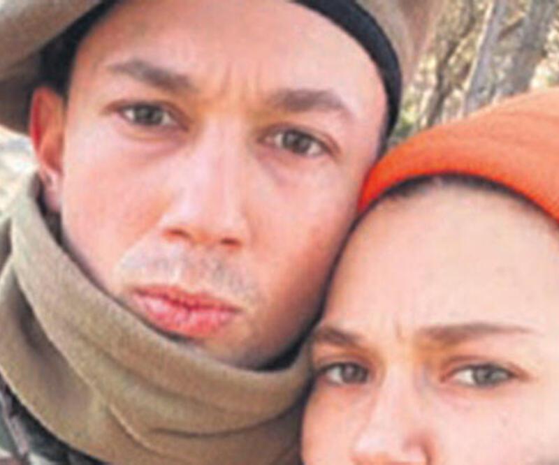 Melisa Şenolsun asker kardeşini ziyaret etti