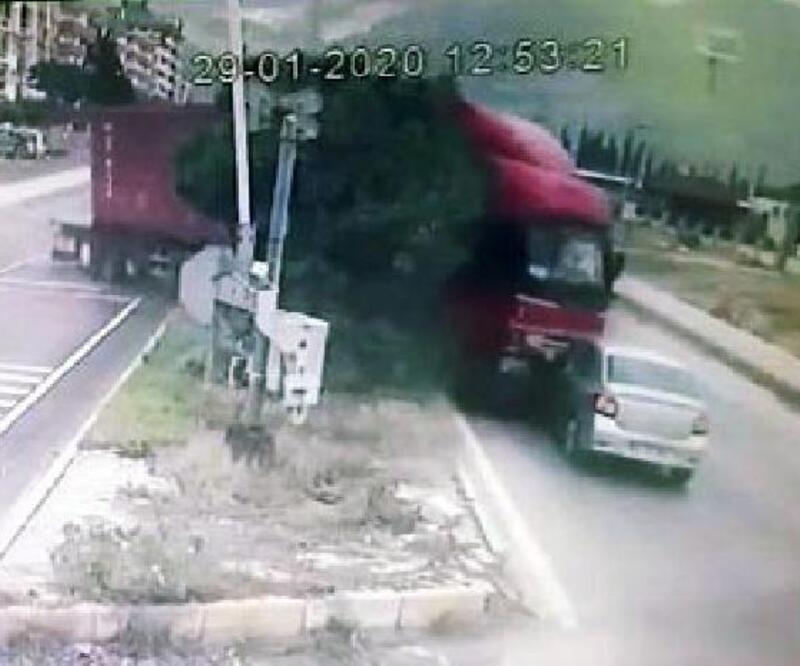 ABD'li kadının öldüğü kaza, mobese kamerasında