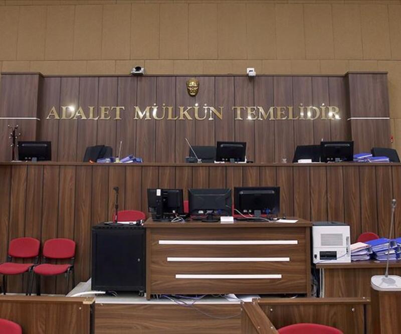 """Eski HSYK üyesi Ahmet Kaya'ya """"FETÖ üyeliği""""nden 12 yıl hapis"""