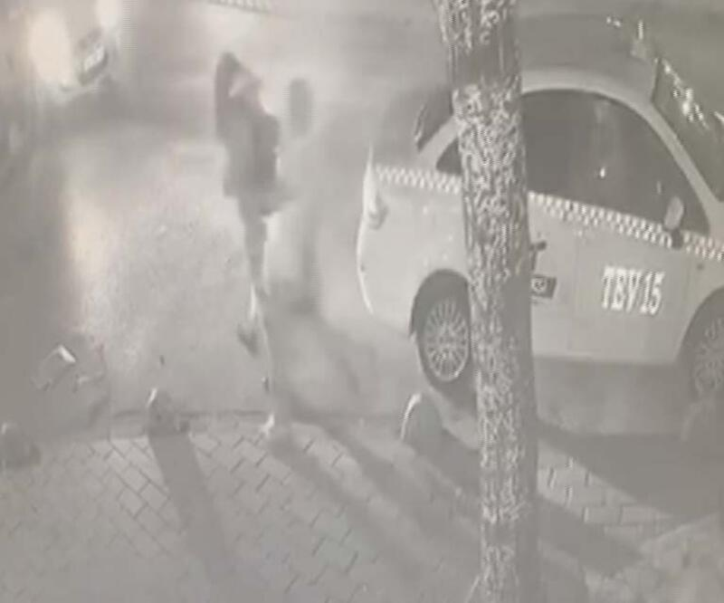 Fatih'te kadına saldıran kişiye dayak