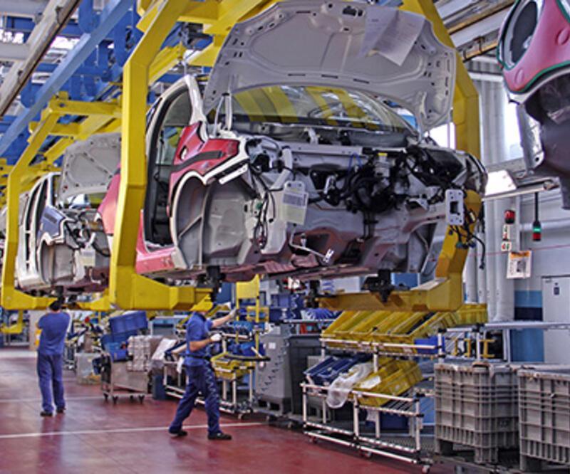 Almanya'da otomotiv devi üretime ara verdi