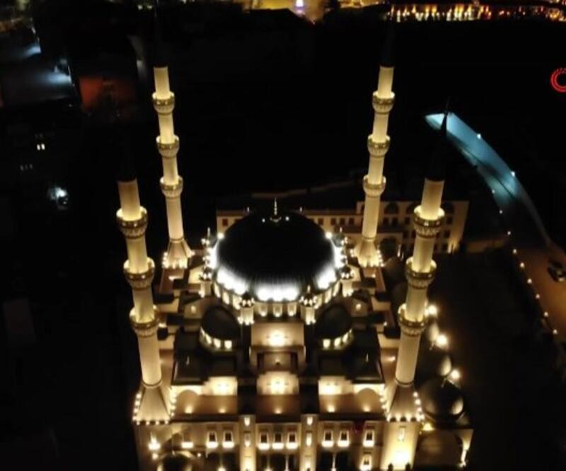 Koronavirüse karşı camilerden dua