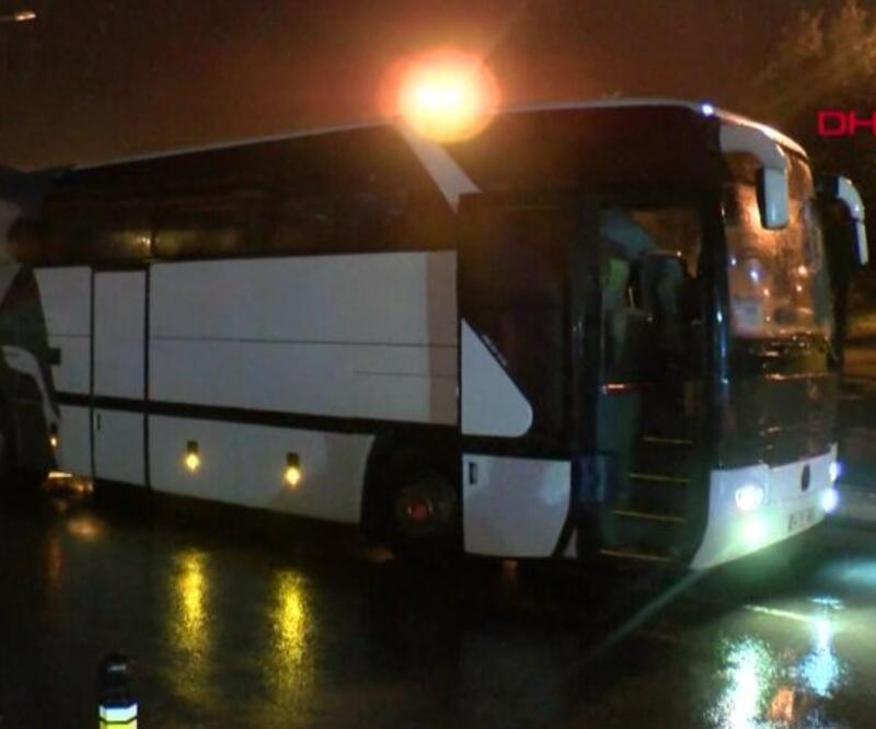 Adana'ya giden 48 yolcu İstanbul'dan çıkamadı