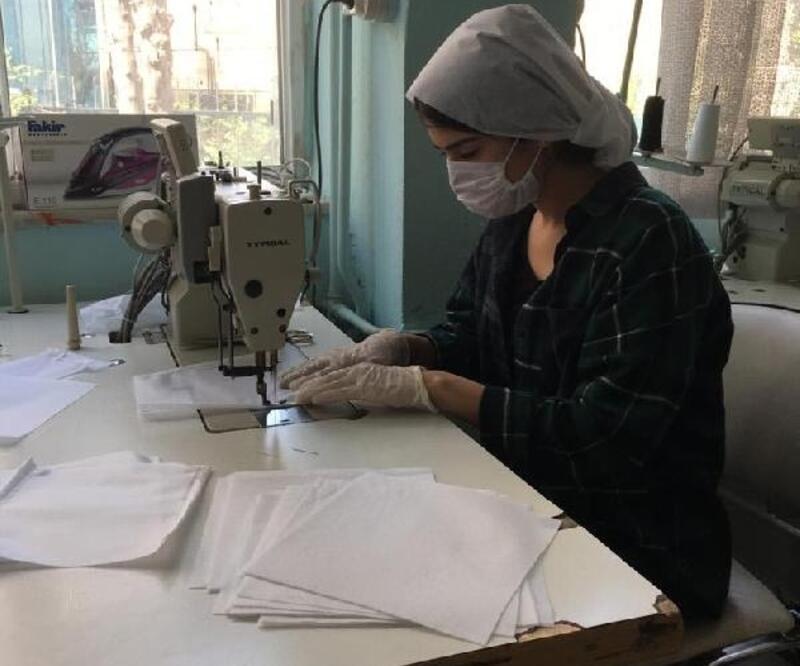 Günde 2 bin cerrahi maske üretiyorlar