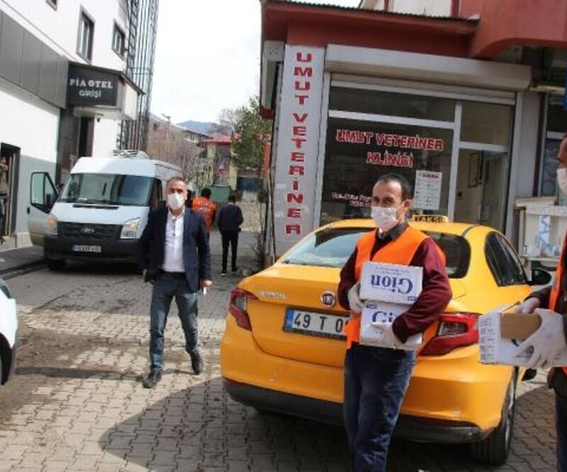 Varto Belediyesi halka ücretsiz sabun dağıttı