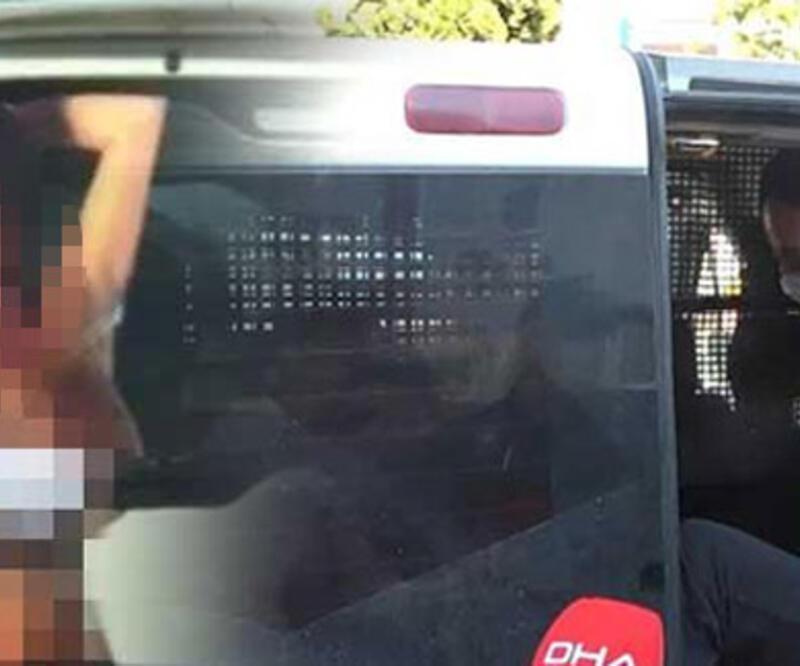 Aracına çıplak kadın afişi asan sürücü gözaltında
