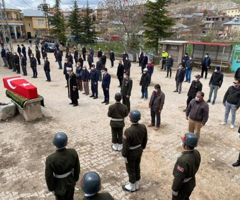 Niğde'de yaşamını yitiren Kore gazisi askeri törenle uğurlandı