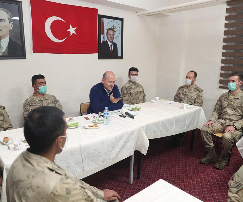 Cumhurbaşkanı, Mehmetçiğin Ramazan Bayramı'nı kutladı