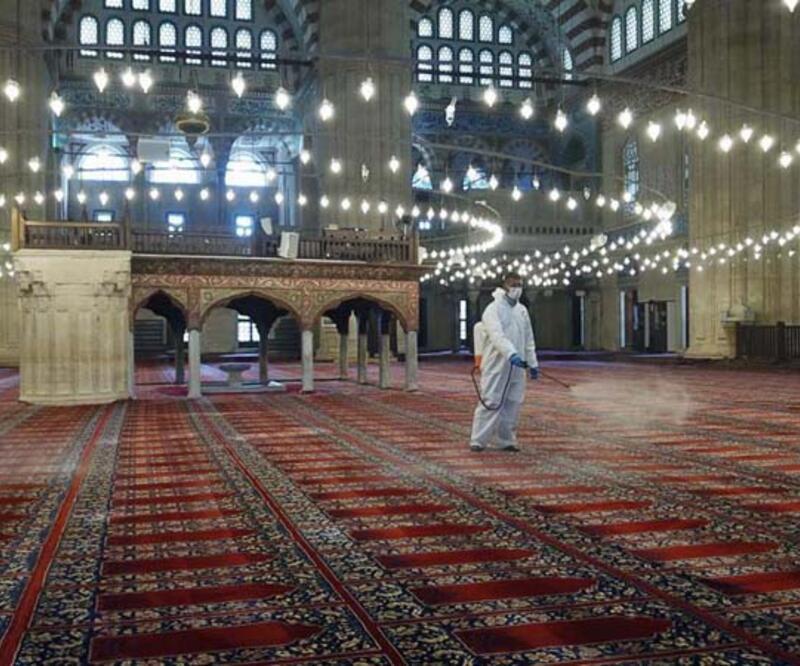 Cuma namazı kaçta? İl il ve İstanbul Cuma namazı vakitleri Diyanet saati