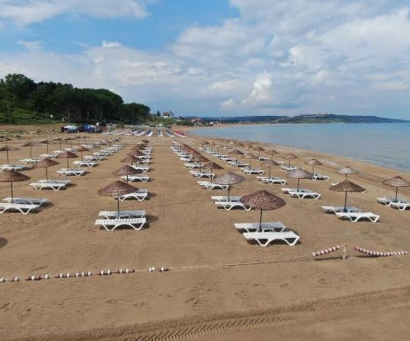 (Havadan fotoğraflarla) 'Yeni normal'in ilk günü Şile plajları boş kaldı