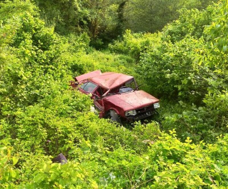 Uçuruma yuvarlanan otomobilin sürücüsü hayatını kaybetti