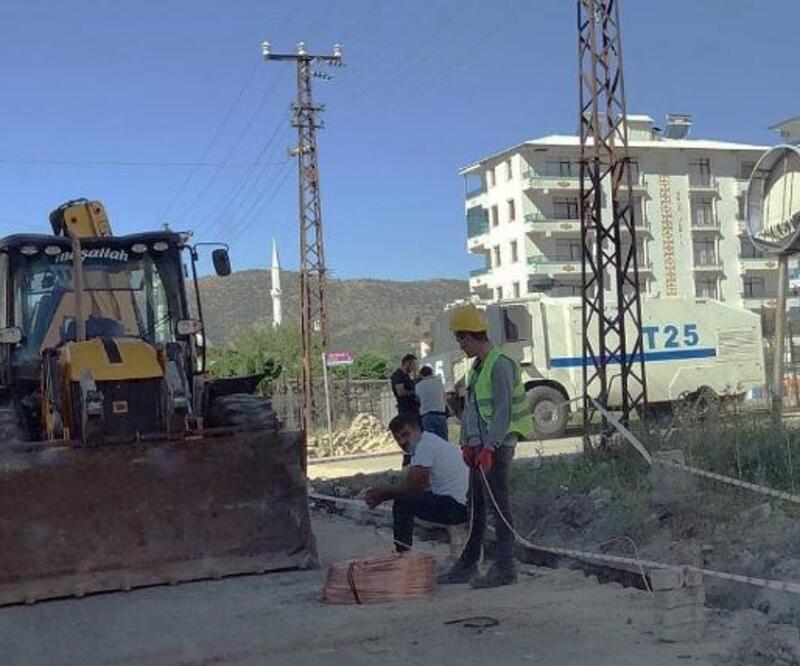 Hani'de elektrik şebekesi yenileniyor